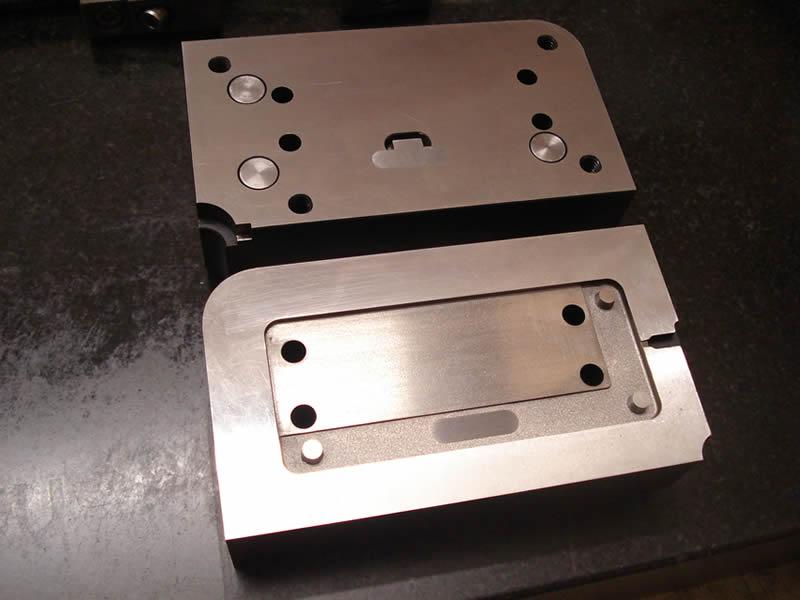Mould cavity insert blocks